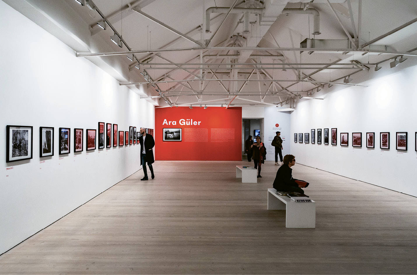A retrospective of the works of Turkish photojournalist Ara Güler at Chelsea's Saatchi Gallery last spring