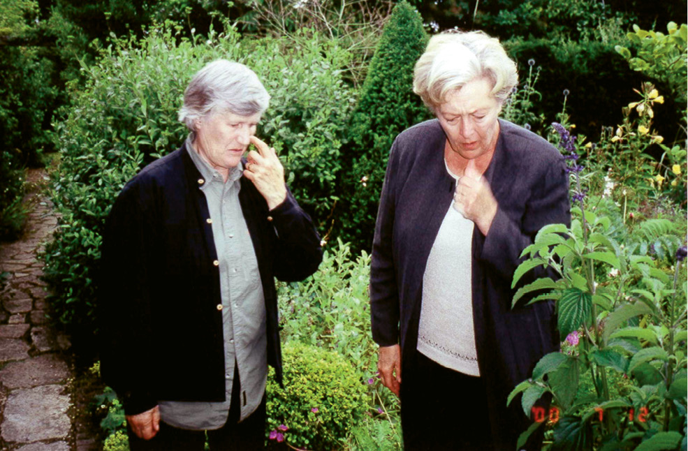 McGee with British garden writer and designer Penelope Hobhouse in Dorset