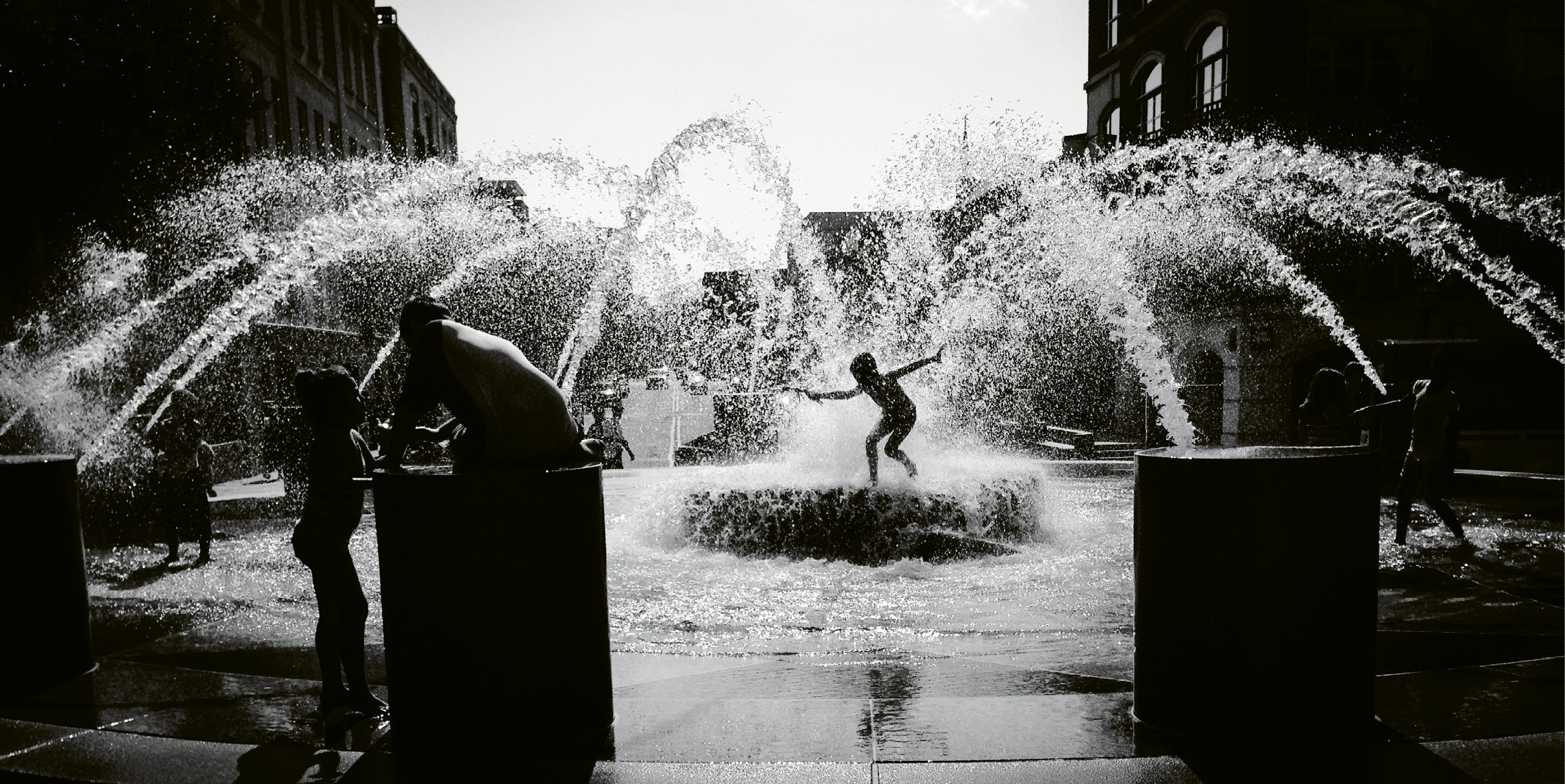 Hot fun in the City by Peggy Archambault  {Amateur category} - A steamy day at  Waterfront Park